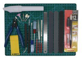 Foto dall'alto di Gundam Modeler Builder's Tools Craft Set Kit